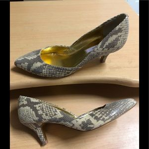 Ted Baker Heels Snake Embossed 6.5 Taupe